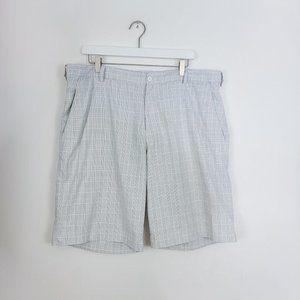 NIKE Dri-Fit Golf Shorts Size 38 Gray White